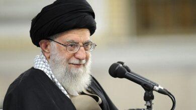 Photo of الخامنئي: محاولات الأعداء بث الفرقة بين الشعبين الإيراني والعراقي ستفشل
