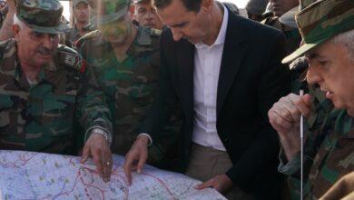 Photo of الرئيس الأسد يلتقي رجال الجيش على الخطوط الأمامية بريف إدلب: معركة إدلب هي الأساس لحسم الفوضى والإرهاب في سورية