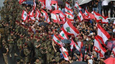 Photo of بعد استقالة الحريري.. الجيش اللبناني يوجه بيانا للمتظاهرين في الشوارع