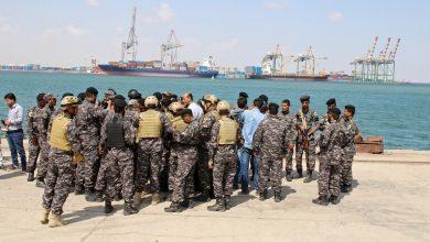 Photo of الجيش اليمني يضبط سفينة سعودية قبالة سواحل البلاد