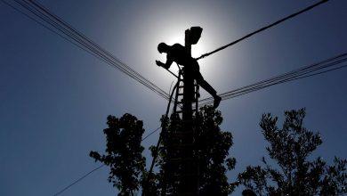 Photo of إعادة التيار الكهربائي إلى مدينة الحسكة بعد صيانة عطل فني على خط 66 ك.ف