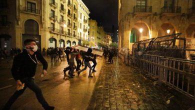 Photo of لبنان: إصابة 145 شخصا في احتجاجات عنيفة