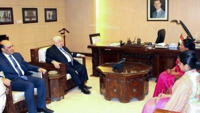 صورة المعلم يتسلم أوراق اعتماد سفيرة سريلانكا غير المقيمة لدى سورية