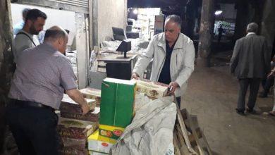صورة وزير التموين يفاجئ تجار سوق الهال في الثانية ليلاً