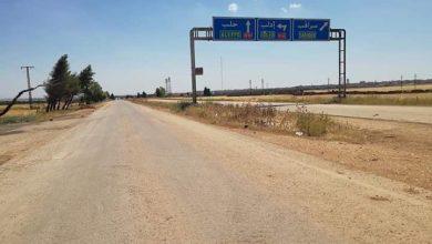 صورة الجيش يفتتح معبراً لطلاب إدلب والرقة بسراقب والإرهابيون يمنعونهم من بلوغه