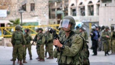 "Photo of الاحتلال ""الإسرائيلي"" يوجه إنذارات قضائية لمشايخ وناشطين في الجولان المحتل ضد مشروع المراوح ويعتقل عدداً منهم"