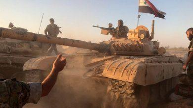 صورة الجيش يدفع بتعزيزات إلى ريفي حماة وإدلب ويستهدف الإرهابيين