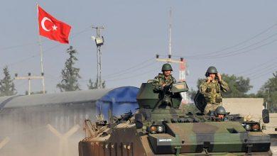صورة الاحتلال التركي ومرتزقته يحشدون في محيط «أبو راسين» وبمحاذاة «M4 »