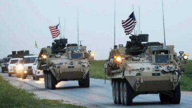 صورة الاحتلال الأمريكي يخرج رتلاً من الشاحنات المحملة بالمسروقات من الأراضي السورية إلى العراق