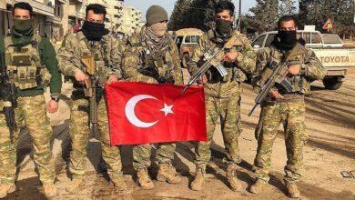 صورة مرتزقة الاحتلال التركي يقطعون الطرقات ويفرضون أتاوات في رأس العين
