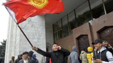 صورة المعارضة تعلن الاستيلاء على السلطة في قرغيزستان