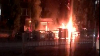 """صورة حريق السيارات على اتوستراد المزه ناجم عن """"بيدون"""" بنزين"""