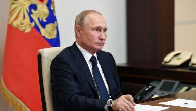 صورة بوتين يجري تعديلات حكومية.. ويحظر على أعضاء مجلس الأمن الروسي امتلاك حسابات خارجية