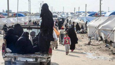 صورة الإفراج عن الدفعة السادسة من المحتجزين السوريين في «مخيم الهول»