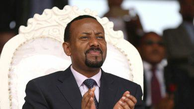 صورة رئيس الوزراء الإثيوبي يعلن انتهاء المعارك في تيغراي ودخول الجيش لعاصمتها