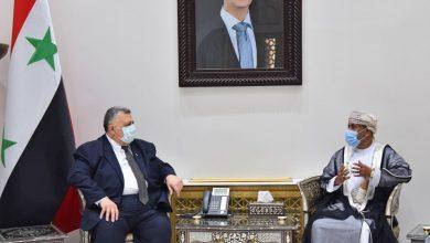 صورة صباغ للسفير العماني: مستمرون بتطوير علاقاتنا والتعاون بيننا