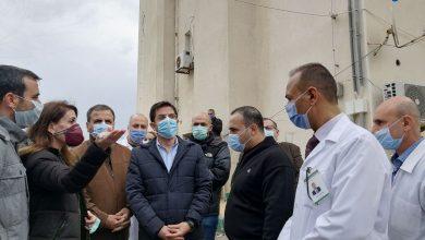 """صورة وزير الصحة لـ""""الوطن"""": دراسة الإمكانيات للإسراع بتنفيذ مشفى جبلة"""