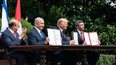 صورة السلطة الفلسطينية تعيد سفيريها إلى الإمارات والبحرين