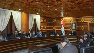 صورة «اجتماع صحي» في اللاذقية لمواجهة كورونا