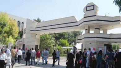 """صورة عميد كلية الآداب لـ """"الوطن"""": لا ضبوط غش خلال يومين من بدء الامتحانات.. وعدد الطلاب يفوق الـ 70 ألف"""