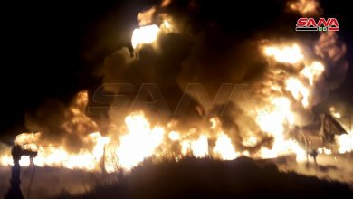 صورة انفجار صهريج نفط يتسبب بحريق ضخم في الشركة السورية لتوزيع الغاز بحمص