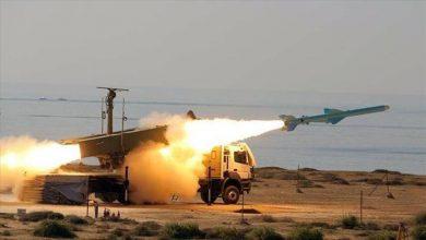 صورة الحرس الثوري الإيراني يطلق مناورات دفاعية في صحراء وسط البلاد