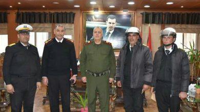 صورة عناصر من شرطة المرور في حمص يقبضون على لصين بالجرم المشهود