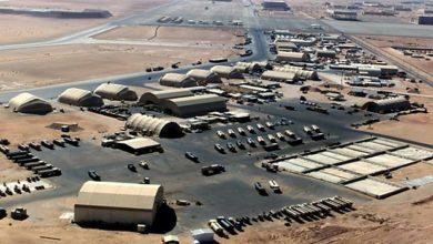 صورة استهداف قاعدة عين الأسد غرب العراق بعشرة صواريخ