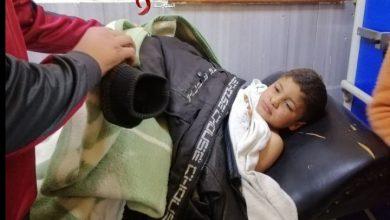 صورة قائد الشرطة في درعا: إصابة ثلاثة أطفال جراء انفجار عبوة ناسفة كانت مزروعة ضمن علبة بلاستيكية عثر عليها أطفال بعد مفرق الخربة
