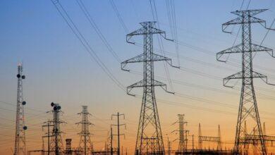 """صورة وزير الكهرباء لـ """"الوطن"""": تحسن الواقع الكهربائي نتيجة ارتفاع درجات الحرارة"""