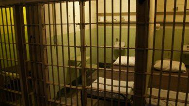صورة سجين يخترق أكبر خرسانة مسلحة في سجن أمريكي ويهرب