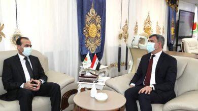 صورة وزيرا النفط العراقي والسوري يبحثان تعزيز العلاقات والتعاون المشترك بين البلدين الشقيقين