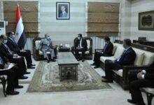 صورة رئيس مجلس الوزراء يؤكد على أهمية تعزيز العلاقات السورية الباكستانية
