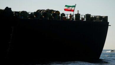 صورة استهداف سفينة عسكرية إيرانية في البحر الأحمر بلغم بحري.. وواشنطن تنفي مسؤوليتها