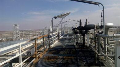 صورة ورش معمل غاز الجبسة تعيد خط نقل الغاز للعمل بعد تعرضه لتفجير ارهابي بريف الحسكة