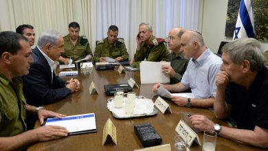 """صورة وزراء """"إسرائيليون"""" يطالبون بوقف العدوان على غزة.. والسبب؟"""