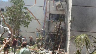 صورة إعلام العدو: إصابات جراء سقوط صاروخ على مبنى في اسدود