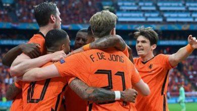 صورة هولندا ثالث المتأهلين إلى ثمن نهائي اليورو