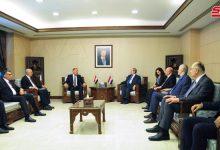 صورة المقداد يبحث مع وزير الصناعة والمعادن العراقي آفاق تطوير العلاقات الثنائية بين البلدين