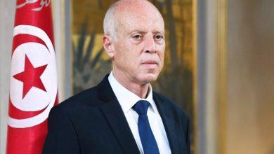 صورة الرئيس التونسي يعفي وزراء الدفاع والداخلية والعدل من مناصبهم