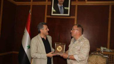 صورة محافظ حماة يبحث مع رئيس مكتب المصالحة الروسية في حماة وحمص تعزيز التعاون
