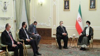 صورة ممثلاً الرئيس الأسد.. صباغ يقدم التهاني للرئيس الإيراني