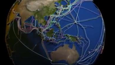 صورة خارطة ثلاثية الأبعاد للكابلات البحرية التي تربط الكرة الأرضية