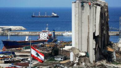 صورة في متابعة لقضية انفجار مرفأ بيروت.. صدور مذكرة توقيف بحق وزير المالية السابق