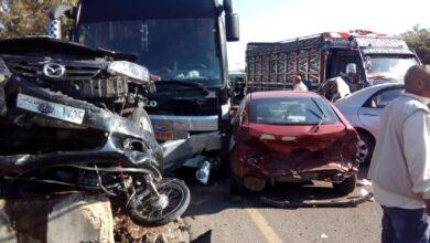 صورة حادث مروري مروع على اوتستراد طرطوس – بانياس .. إصابة 9 أشخاص وأضرار مادية كبيرة بـ 11 سيارة