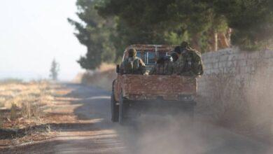 """صورة معارك بين الإرهابيين تنتهي بخروج """"الشيشاني"""" من جبل التركمان"""