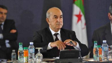 صورة الرئيس الجزائري: على فرنسا أن تنسى بأن الجزائر كانت مستعمرة